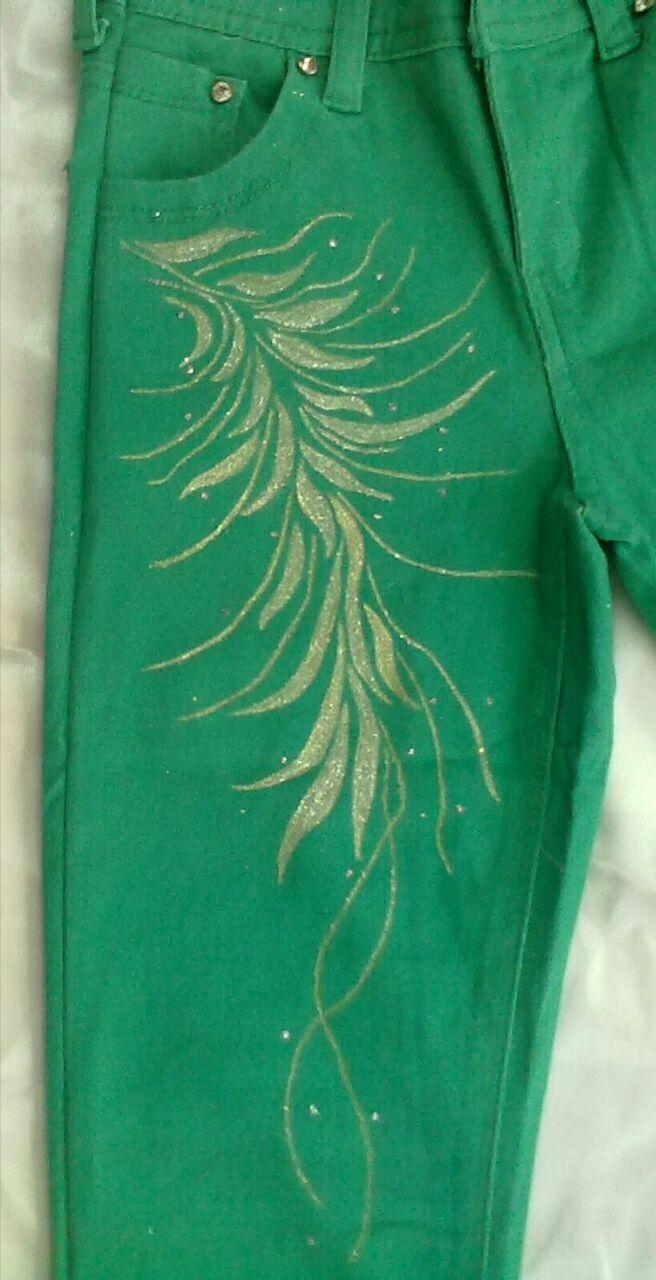نقاشی روی شلوار جین